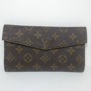 LOUIS VUITTON Vintage Monogram Canvas Wallet